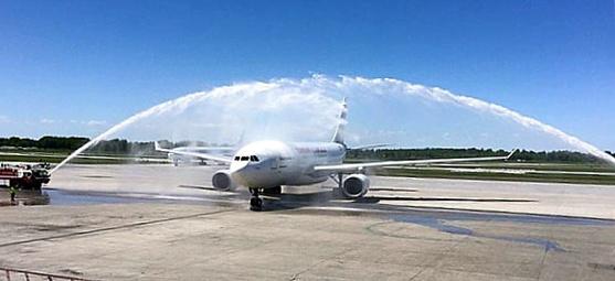 Moment historique: Tunisair arrive à Montréal !