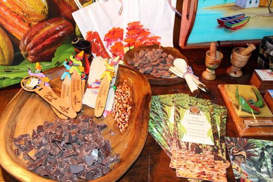 La soirée visait à mettre en vedette la culture et l'artisanat dominicains, entre autres.
