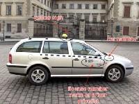 Le maire de Prague se déguise pour traquer les chauffeurs de taxi malhonnêtes
