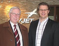 Michel Mordret Directeur ventes et marketing Autobus La Québécoise et Jean-Pierre Côté Directeur des opérations de Skyjet