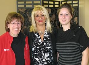 Gisèle Desmarais , Evelyn Cassis et Amélie Belzile