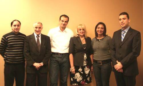Evelyn Cassis, en compagnie de ses partenaires de la soirée d' hier soir: les gens de la compagnie Elycea et les représentants des offices de tourisme du Maroc et de la Tunisie.