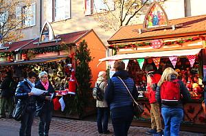 Le marché de la Place des Dominicains, adossé à l'église du même nom