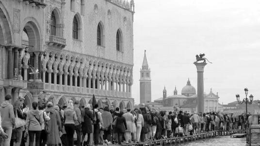 Venise va tenter de séparer touristes et habitants ce week-end