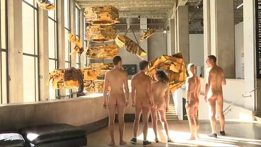 Quand le Palais de Tokyo à Paris ouvre ses portes aux naturistes