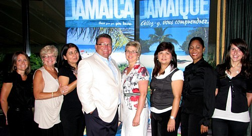 Sonia Casaubon (Grand Palladium), Jill Elmslie (Sunset Resorts), Kattia Jaramillo (Holiday Inn),Louis Fillion ( Superclubs), Louise Paquette,  Wendy Perry et Maureen James (Ritz Carlton) et Georgia Lihnakis (Sandals)