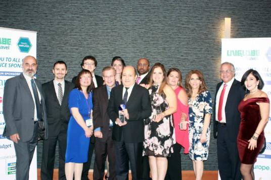 C'est avec grande fierté que nous annonçons que UNIGLOBE Voyages Lexus fut nommée « Agence de l'année – Est du Canada » lors de notre congrès annuel tenu récemment à l'hôtel Brookstreet d'Ottawa.
