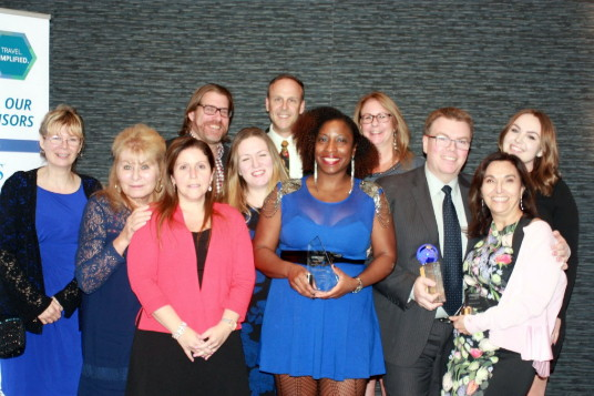 Le prix « Agence partenaire UNIGLOBE de l'année » fut remis à Sportscorp Travel (Bolton, Ontario) et fut accepté par le propriétaire de l'agence, M. Shawn Ashton et son équipe.