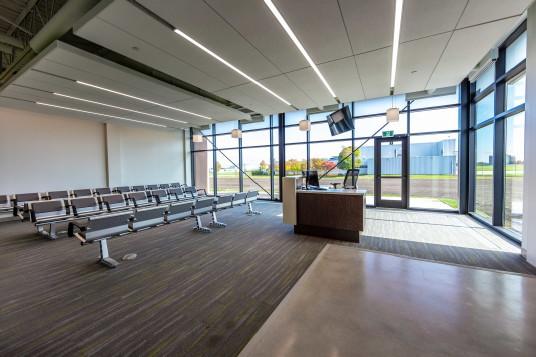 Le Conseil national de recherches du Canada a inauguré le nouveau Centre pour la recherche sur les voyages aériens. (Groupe CNW/Conseil national de recherches Canada)