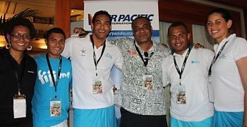 Le Directeur exécutif de Tourisme Fidji, Josefa Tuamoto (au centre), en compagnie de certains hôteliers de la Côte du Corail et des archipels des Yasawas et des Mamanucas.