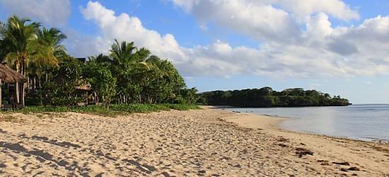 La plage de la Côte du Corail. Ici, celle de l'hôtel Intercontinental, qui s'avère l'une des plus belles de cette côte.
