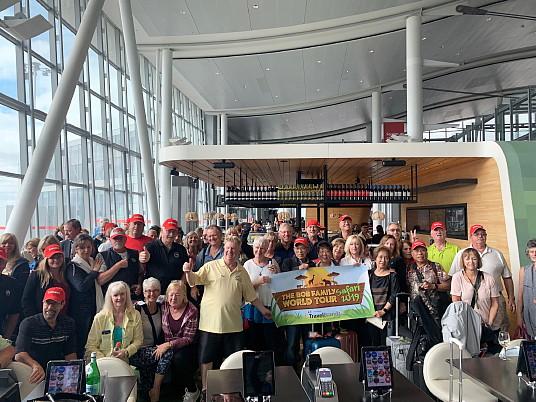 73 globe-trotteurs voyagent ensemble par le biais de Bob Family Travel et de Voyages TravelBrands