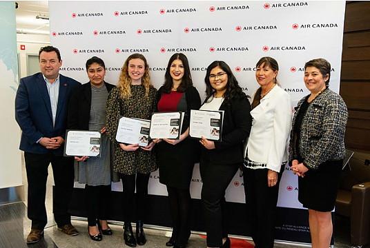 Air Canada salue les réalisations de femmes des générations actuelle et montante dans le domaine de l'aviation