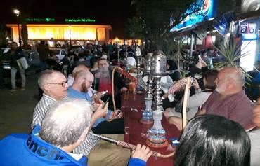 On a eu beaucoup de fun en fumant la shisha au Souk à Assouan