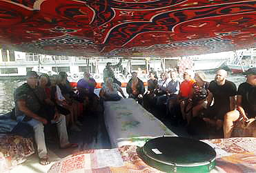 Une promenade dans une felouke (Barque à voile sur le Nil à Assouan)