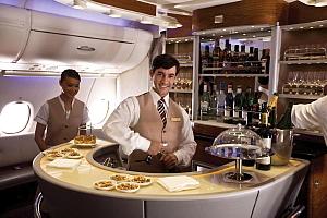 Lounge exclusif dans l'Airbus A 380 d'Emirates.