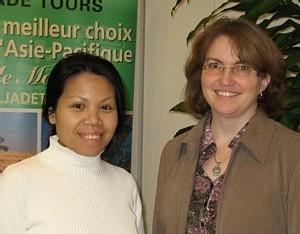 Lam Kannoungyai, agent réservations et opérations et Michèle Lord, directrice département des tours et FIT