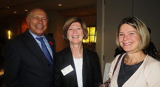 Emmanuel Triassi, président de la CCIC, Danielle Virone directrice exécutive de la CCIC et Karen Acs, chef régional des ventes d'Air Canada