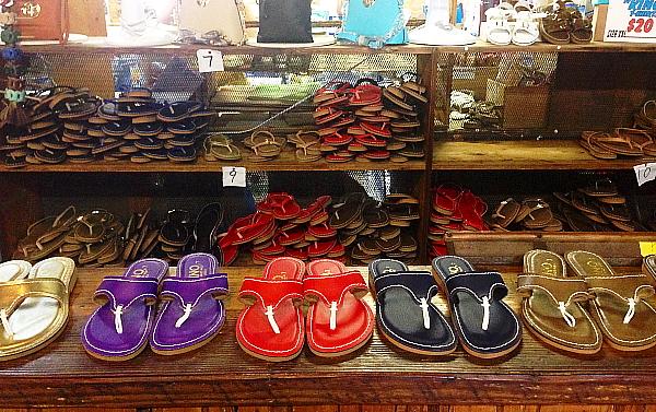 La boutique de sandales en cuir Kino