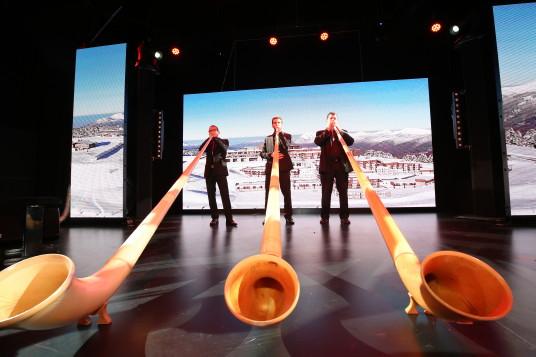 Un petit air de grand cor des Alpes pour saluer l'ouverture du Club Med Grand Massif Samoëns Morillon