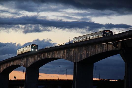 La nouvelle Canada Line Skytrain relie l'aéroport à Richmond en une quinzaine de minutes