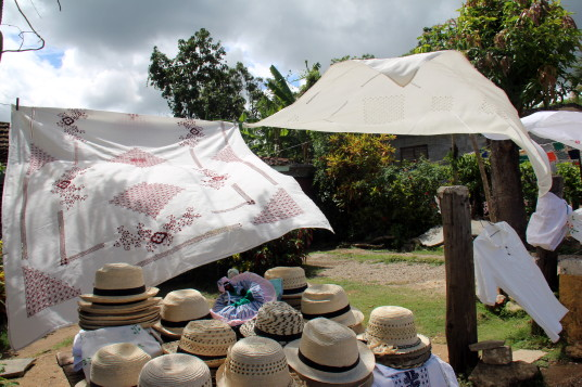 Trinidad est reconnue pour sa broderie et sa céramique