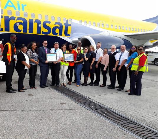 Air Transat célèbre son retour vers l'île de Saint-Martin