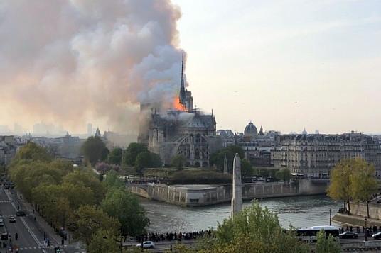 Incendie majeur à la cathédrale Notre-Dame de Paris