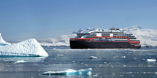 Le MS Roald Amundsen (cr.photo Hurtigruten)