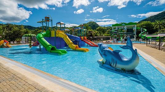 La marque RIU ouvre un nouveau parc aquatique Splash Water World au Costa Rica