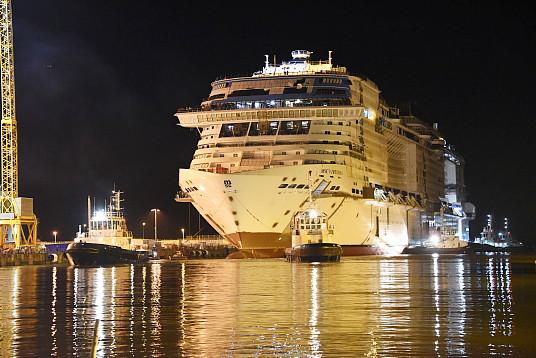 Le MSC Virtuosa mis à flot. (crédit photo © Bernard Biger – Chantiers de l'Atlantique)