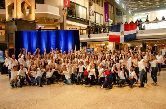 La République dominicaine fait danser la Bachata à 650 personnes lors de son évènements ' Esquivez Le Froid '