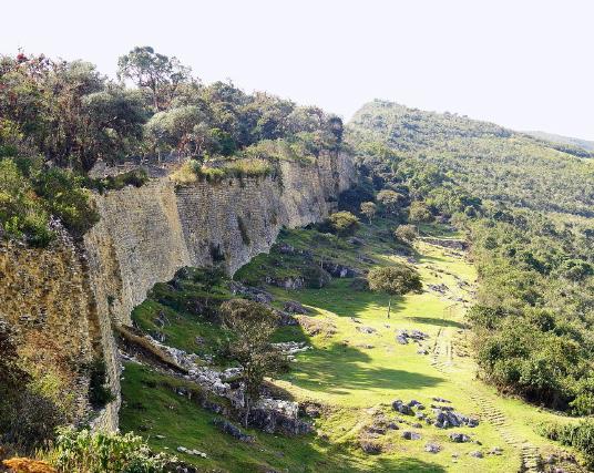 La forteresse de Kuelap dans le Nord du pays (photo par Martin St-Amant - wikimedia commons)