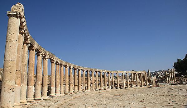 L'ancien forum de Jerash, aussi surnommé la plaza ovale.