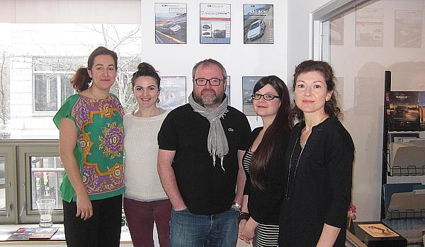 Carole Barthelemy (Spécialiste location de voiture et Achat/Rachat) ; Lucie Leborgne (Responsable Marketing) ; Erwan Even (Président) ; Jennie Bittner-Dumas (Directrice des opérations) et Marie-Claude Gagnon (Spécialiste Achat/Rachat et Locappart) d'EurocarTT.